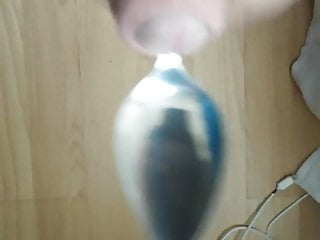 Cumming on a spoon