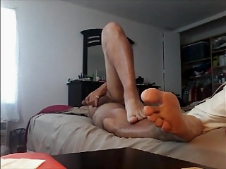 Bate Feet Fetish 2