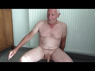 Mondobay Nude Cock Playing 11 sept 2018
