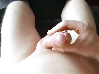 Jacking off and cumming almost handsfree