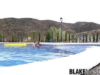 Luke Desmond drills horny twink Charley Cole by the pool